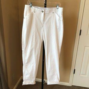 Chicos White Cuffed Capri Pants